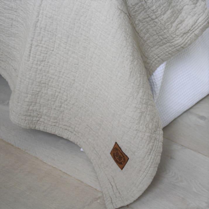bedsprei-denver-zand-bed-slaapkamer