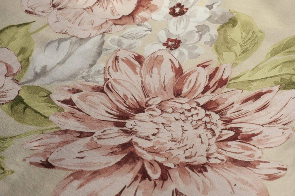palau-dommelin-bloemen-romantisch-dessin-rozen-bloemen-flower-deluxe-satijn-stoffen-fijn