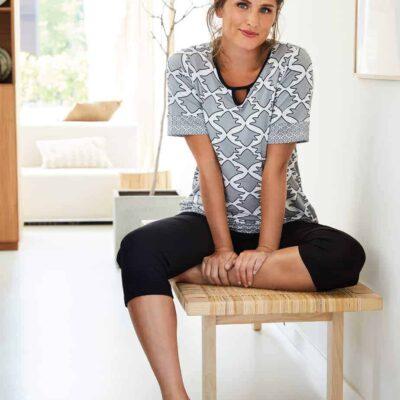 grote-maten-pyjama-webshop-grey-pastunette-zwart-wit-pyjamas-motief
