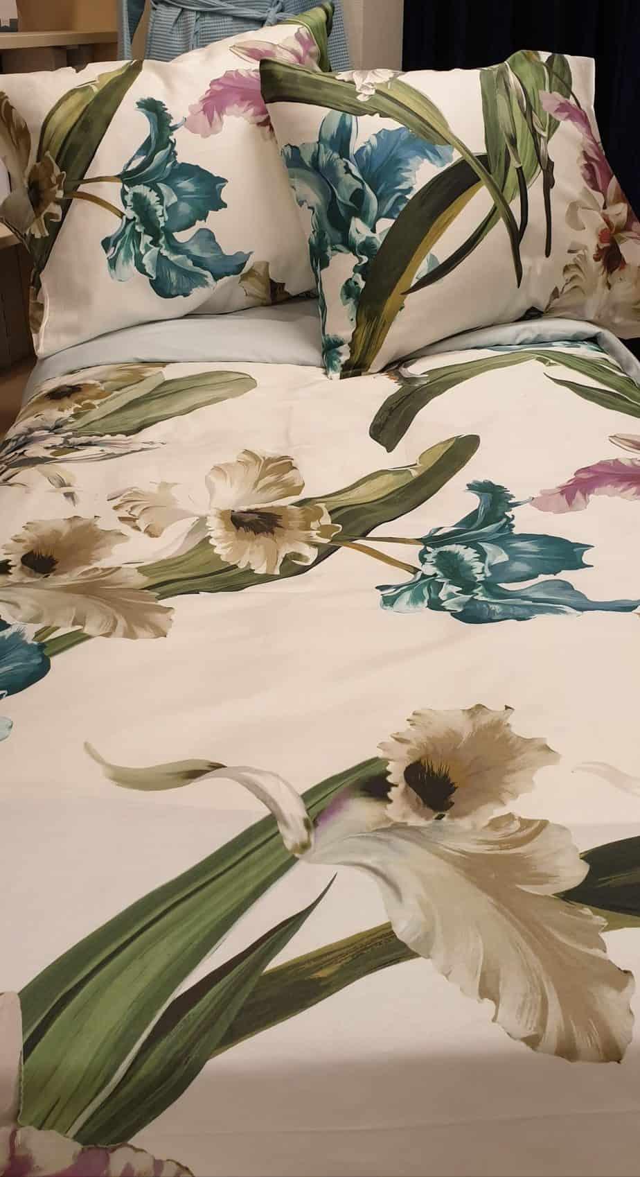 xe-dekbedovertrekken-iris-fazzini-belgium-design-bloemen-beddengoed