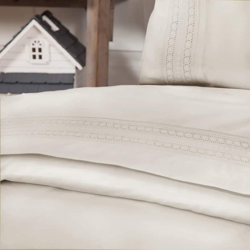 witte-dekbedhoes-camilla-town-and-country-ecru-room-kleur