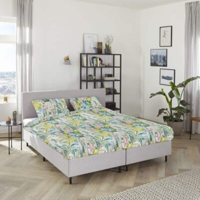 cactus dekbed op slaapkamer met visgraat vloer