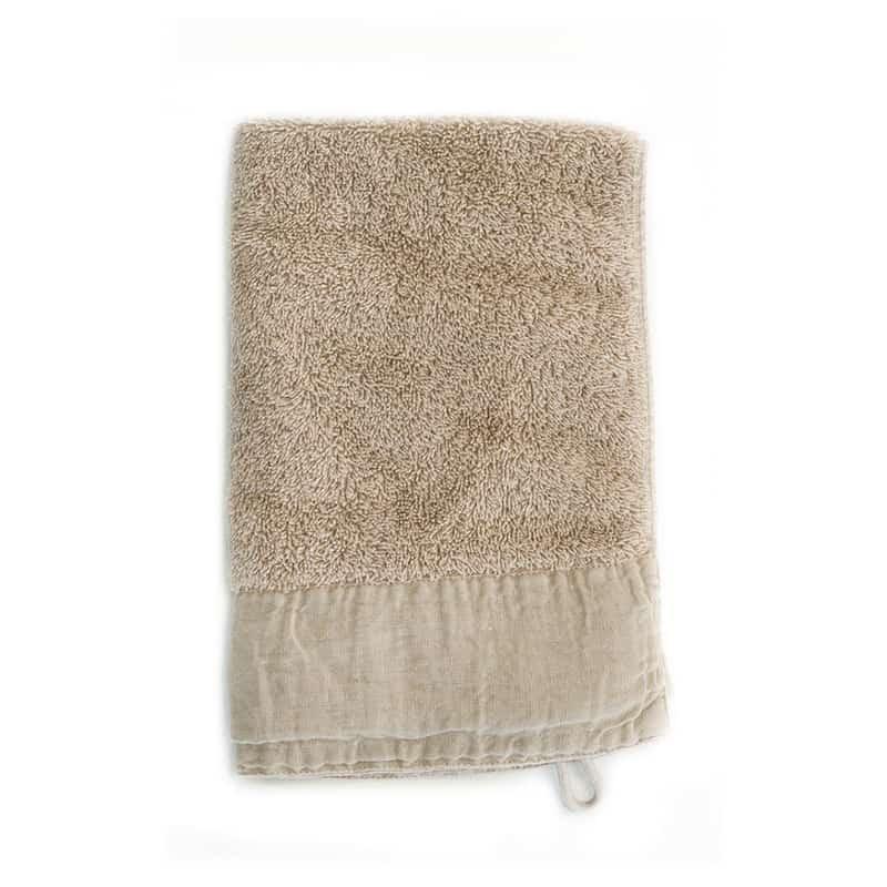 beige/ taupe gekleurde handdoek van zware kwaliteit