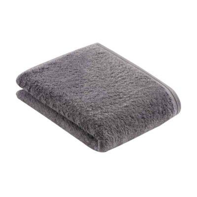 badlaken in de kleur grijs met dunne band, netjes opgevouwen en geen achtergrond