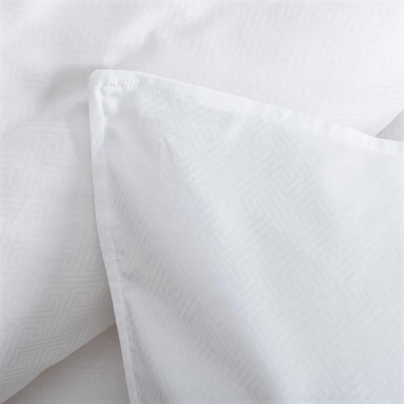 witte kussenslopen van luxe dekbedovertrek