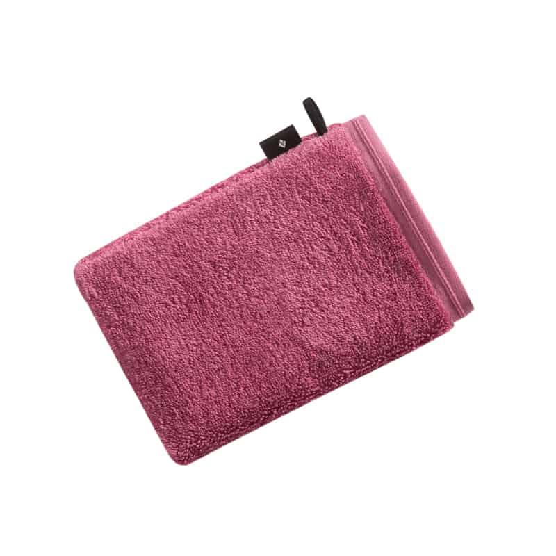 roze/ backberry washandje met zwart label vossen eraan