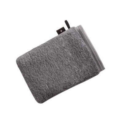 grijze washand met lus en label van het merk Vossen