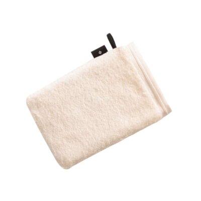 ecru/ ivoor washandje met zwarte lus en zwart label met vossen logo