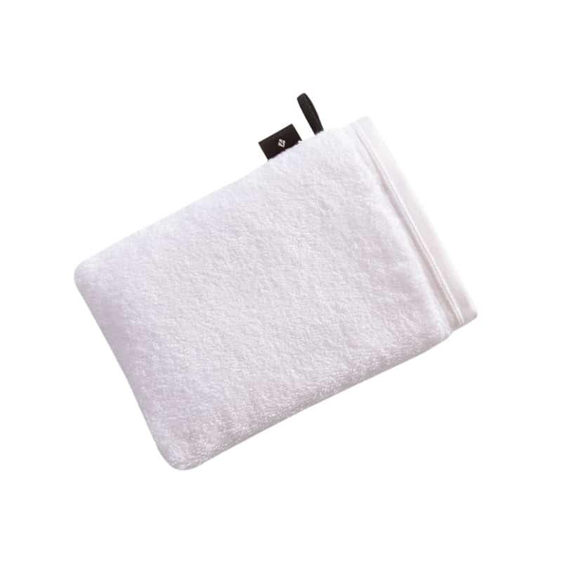 wit washandje met zwarte lus en zwart label met merk Vossen logo