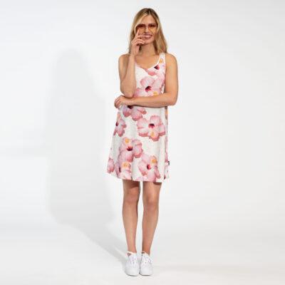 dame met roze hawaii dress
