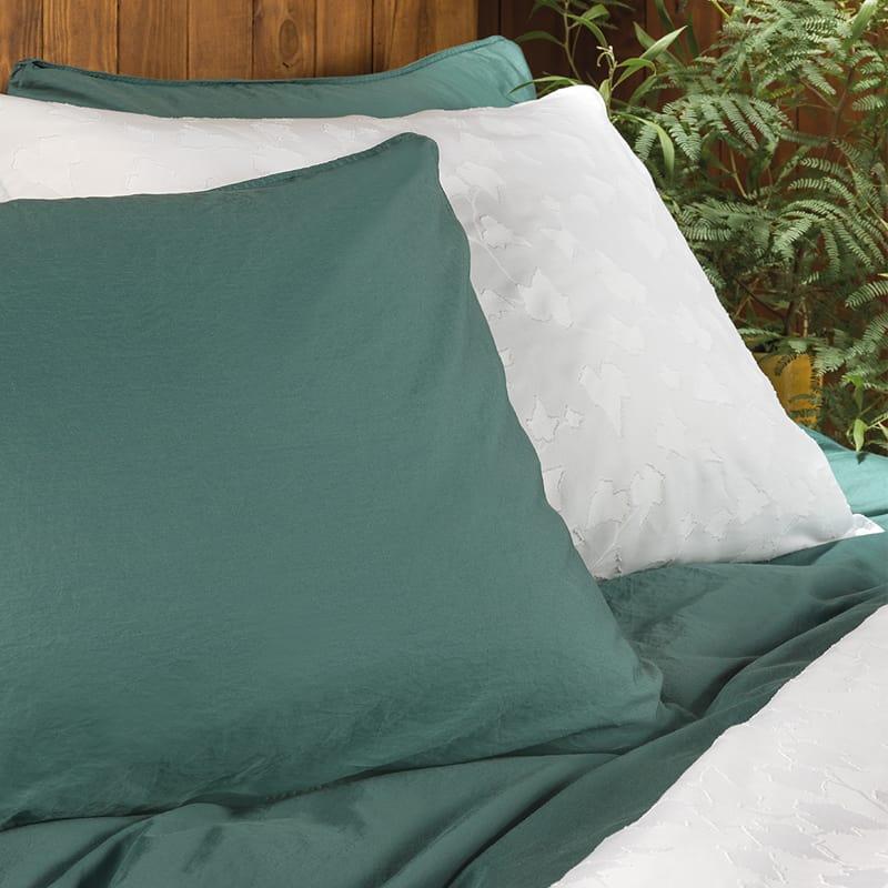 groen en wit op een slaapkamer met luxe uitstraling dekbedovertrek