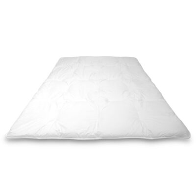 uitgevouwen wit vierseizoenen dekbed synthetisch